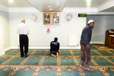 prayingmusalla1